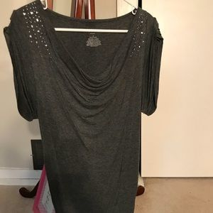 Trendy maternity top